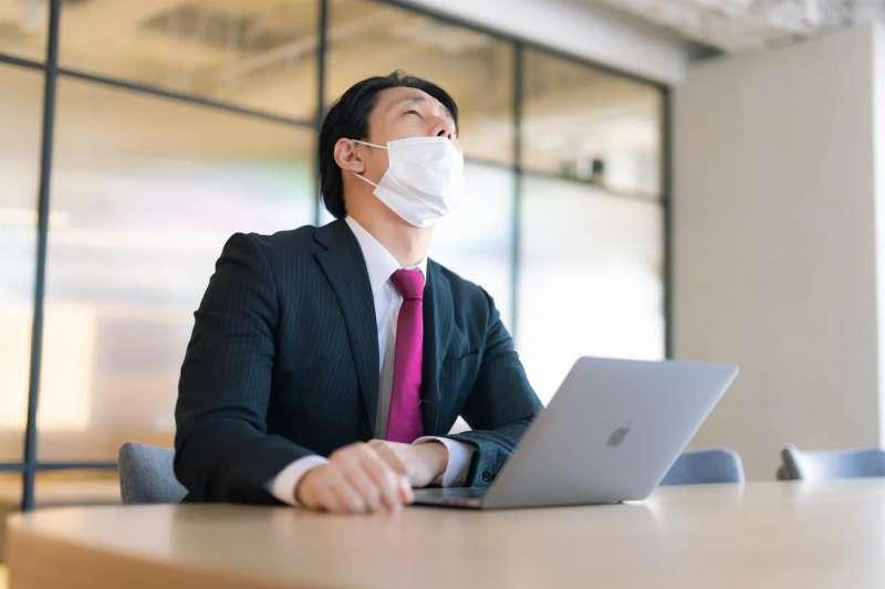 疫情嚴峻,許多行業都受到波及,網友點名這行業逆勢大賺!(圖/取自pakutaso)