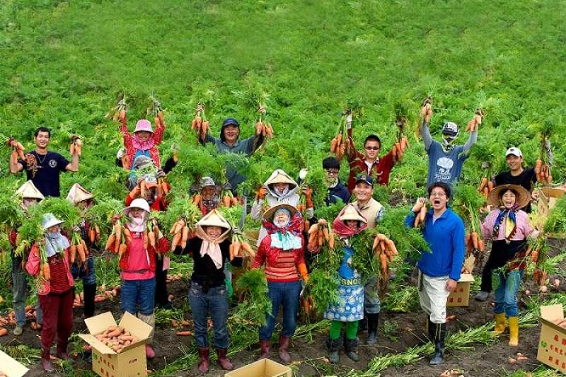 慈心基金會盼攜手農友,共同以友善農業實踐千分之四倡議。(圖/慈心有機農業發展基金會提供)