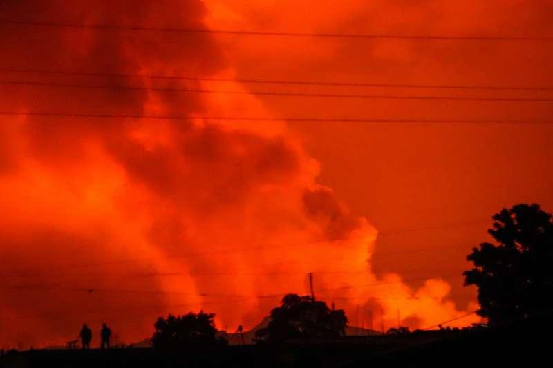 2021年5月22日,剛果民主共和國東部的尼拉貢戈火山噴發。火山爆發。(AP)