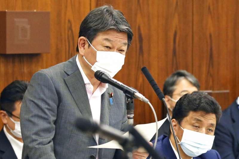 茂木敏充針對日本援台疫苗的發言,在台灣引發藍綠口水戰。(資料照,美聯社)