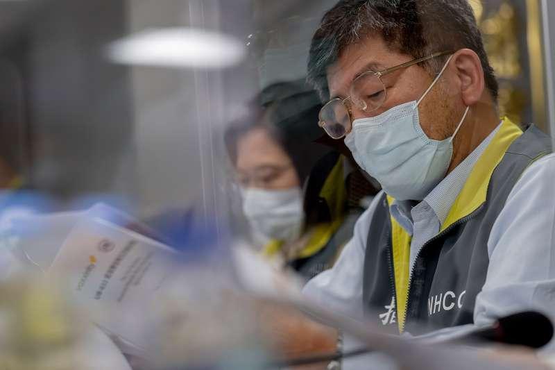 國內爆發本土疫情和疫苗覆蓋率低,作者批評,然而台灣吃萊豬、買軍火,卻仍買不到美國疫苗。(圖/取自flickr)