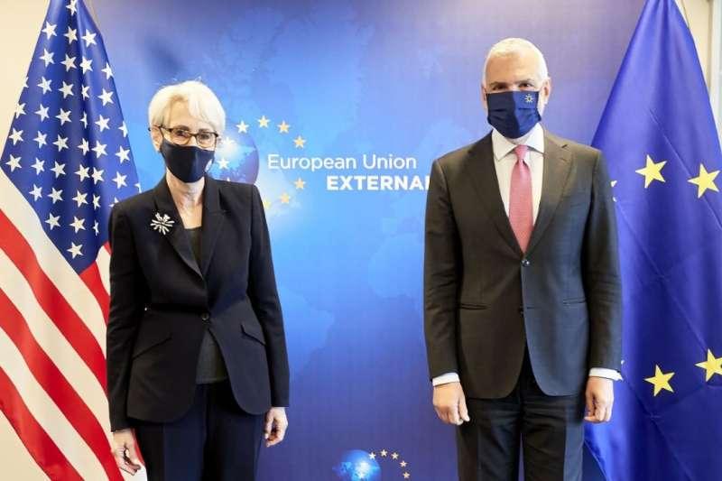 美國國務院副國務卿雪蔓和歐盟對外事務部秘書長沙尼諾(翻攝推特)