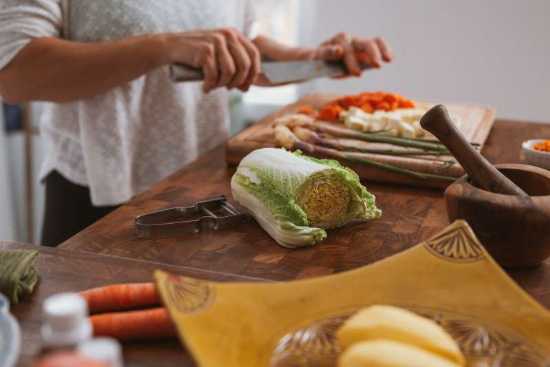 現在不用出門也能上網買食材,新鮮的魚肉蔬果直接送到家!(圖/取自Unsplash)