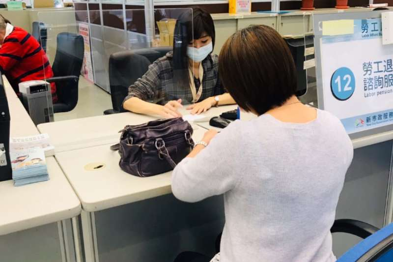 勞動部宣布,將放寬自營業者及無一定雇主勞工生活補貼資格,約6萬人都受惠。(圖/台中市政府提供)