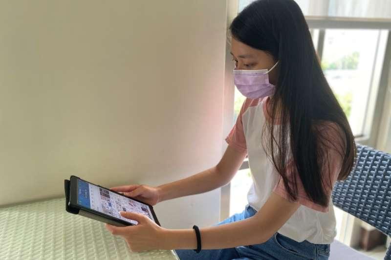 防疫期間台中市立圖書館推線上閱讀,以借閱證可預約20本電子書。(圖/台中市政府)