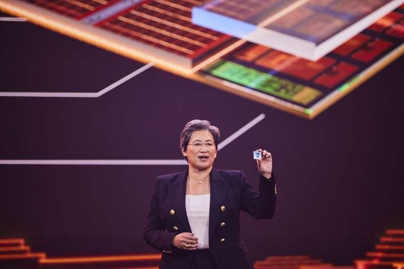 AMD總裁暨執行長蘇姿丰博士首度公開展示AMD全新3D chiplet技術