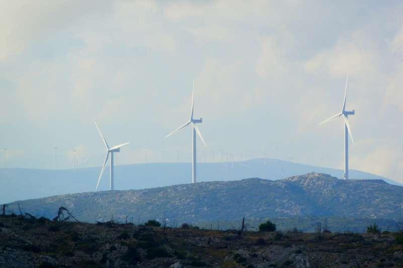 ESG概念基金規模日增(Feri & Tasos@unsplash)