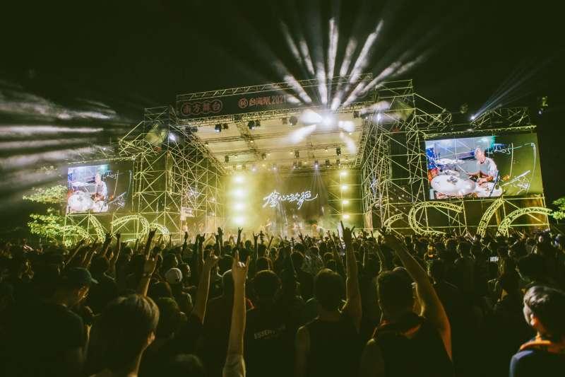 屏東縣政府舉辦的台灣祭吸引許多熱愛獨立音樂的民眾,回到墾丁再次感受音樂帶來的感動。(圖/屏東縣政府)