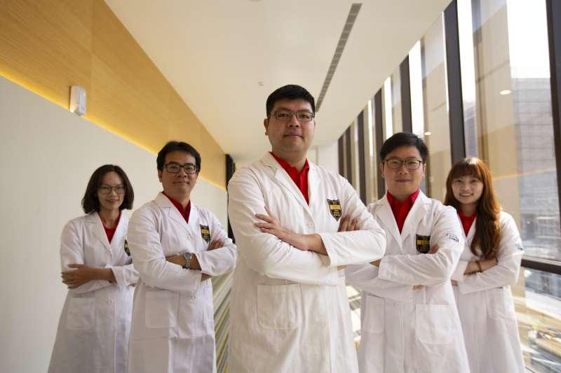 大江生醫研發團隊,打造大江產品的重要推手。(圖/大江生醫提供)