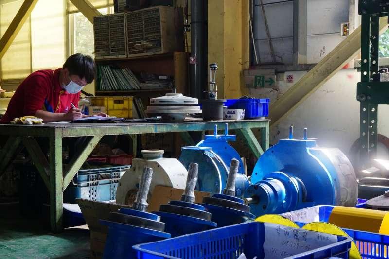 客製化產品服務,針對每間工廠需求進行設計到製作。(圖/王宣喬)