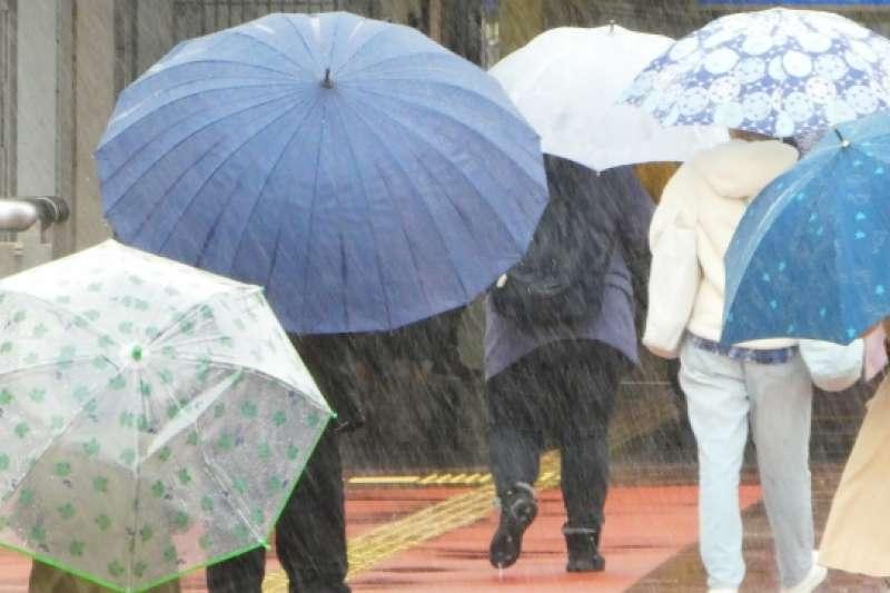 梅雨季一來,過敏容易發作,中醫教你袪除體內濕氣。(圖 / 取自PhotoAC)