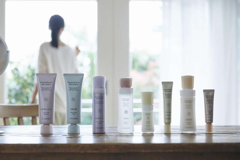 來自日本的抗皺淨斑專家朵茉麗蔻鼓勵即使是居家期間,也能透過「保養儀式」檢視膚況變化,迎接更美好的自已。
