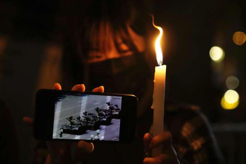 2021年6月4日,六四事件、天安門大屠殺32周年紀念日,燭光(AP)