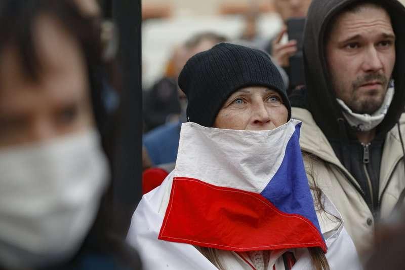 捷克法律規定女性要用陰性姓氏,修改規定的訴求已推動20年,現在有望達成嗎?(資料照,AP)