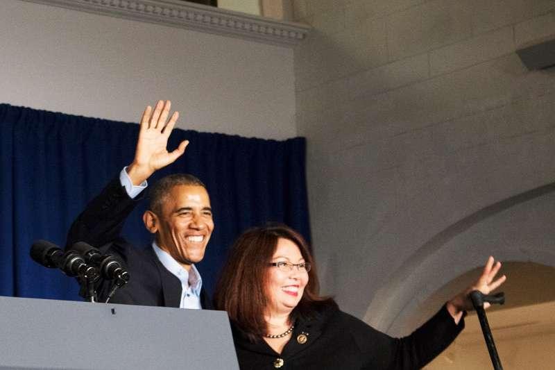 泰裔聯邦參議員達克沃斯(Tammy Duckworth)與美國前總統歐巴馬都是從伊利諾州崛起的政治人物。(翻攝達克沃斯臉書)