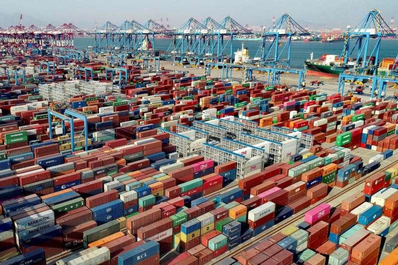 以美元計,中國4月出口同比增長32.3%,比2019年同期增長36.3%;進口增長43.1%,比2019年同期增長22.5%。(圖片來源:AP)