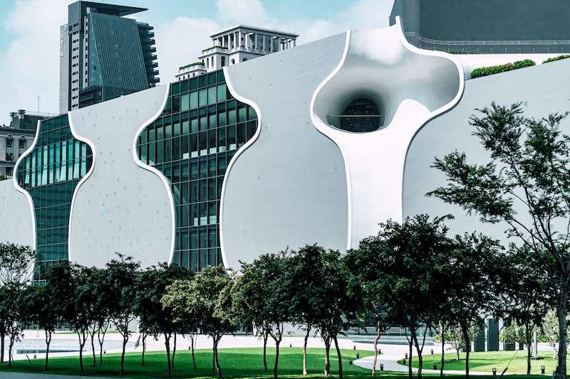 台中國家歌劇院宣布配合落實防疫作為,將閉館到6月28,在國家表演藝術中心「特別方案—同心同在」方針下,提出「在藝起」及「藝聯網」雙軸心發展計畫。(圖/台中國家歌劇院提供)