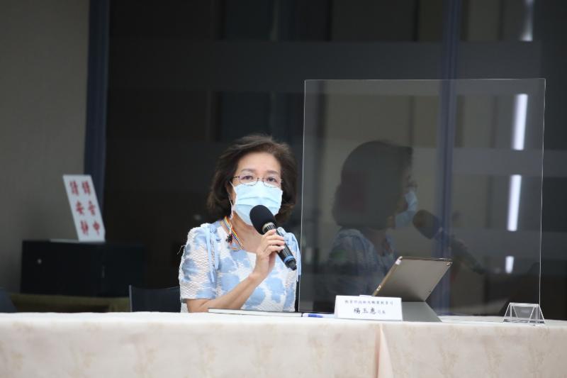 20210607-教育部宣布全國停止實體上課延長到暑假(7月2日),教育部技職司長楊玉蕙出席記者會。(教育部提供)