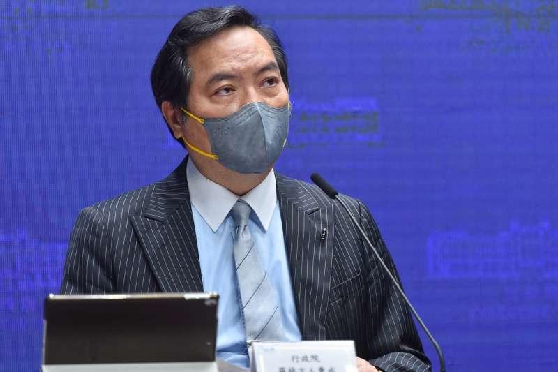 20210610-行政院發言人羅秉成10日出席會後記者會。(行政院提供)
