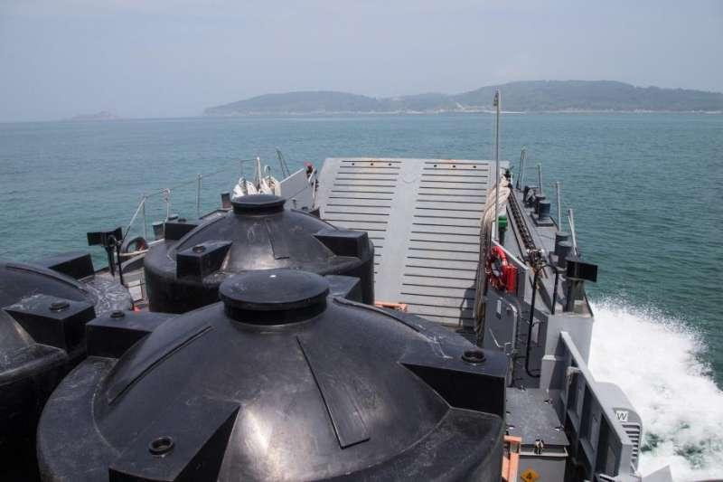 20210614-海軍以LCU合春艇作為運水的載具。(取自軍聞社)