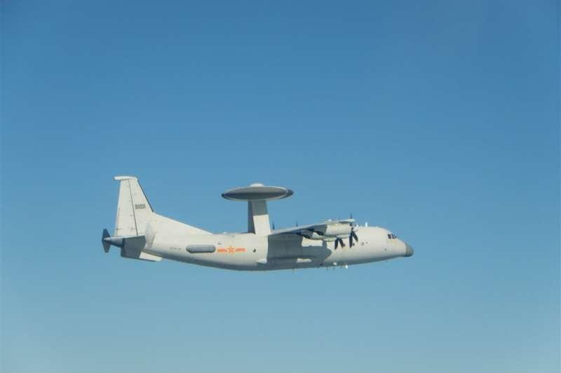 空軍15日發布共機動態,2架空警500等28架共機侵擾台灣西南防空識別區(ADIZ)。圖為共軍空警500同型機。(取自國防部網頁)