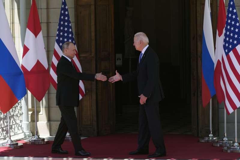 2021年6月16日,美國總統拜登與俄羅斯總統普京在瑞士日內瓦舉行會談(AP)