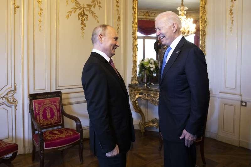 美國總統拜登與俄羅斯總統6月16日在瑞士日內瓦會面,在美俄重啓關係後,中國要聯俄制美的可能性會變得更小(AP)