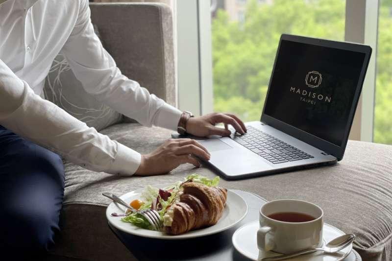全台和逸、慕軒飯店推出行動辦公室專案,只要千元就能入住辦公,享受茶飲與咖啡。(圖/國泰飯店觀光事業提供)