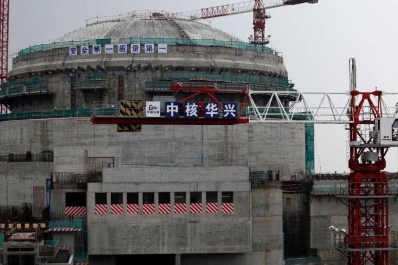 廣東省台山核電廠一個正在興建中的核反應爐(美國之音)
