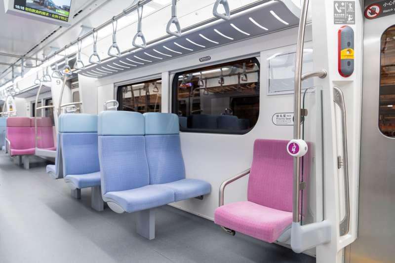 臺鐵局全新電聯車EMU900車廂設計煥然一新,全面提升乘坐體驗(圖片來源:臺鐵局)
