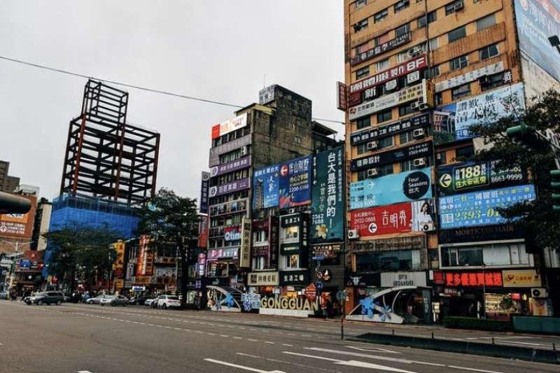 樂居創辦人李奕農為大家解答,不管是買中古屋或預售屋,議價都是很大的學問,合約也有很多需要注意的細節。(示意圖/pixabay免費圖庫)