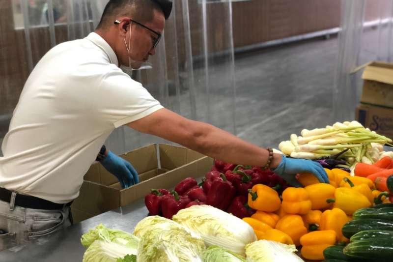 菜霸子執行長王建甫表示,蔬菜箱的內容物挑選會以消費者做考量,選擇吃起來口感較好、水分較多的蔬菜為主。(資料照,圖/王建甫Steven提供)