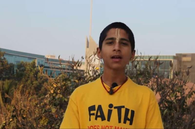 印度占星神童阿南德表示,不相信現在的中國疫情是「絕對安全」的。(圖/翻攝自YouTube@Conscience)