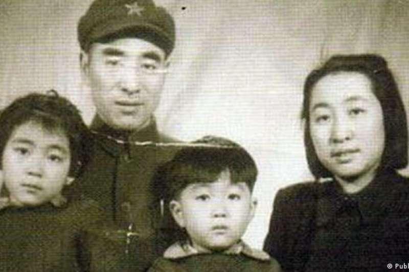 林彪、葉群和女兒林豆豆(又名林立衡)以及兒子林立果