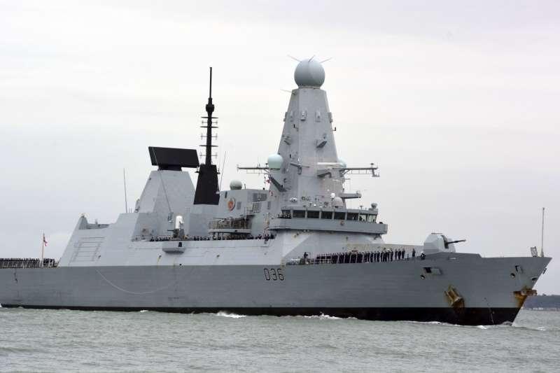 英國皇家海軍驅逐艦「捍衛者號」(HMS Defender)(AP)