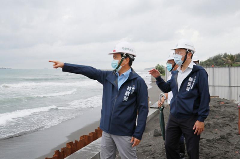 高雄市副市長林欽榮今(29)日率領水利局團隊視察,並指示旗津有豐富的觀光資源。(圖/高雄市水利局提供)