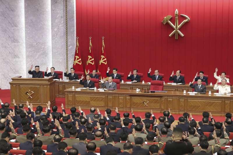 2021年6月15日,金正恩坦承北韓可能出現糧食短缺,並且呼籲延長應對新冠病毒的防疫限制。(美聯社)