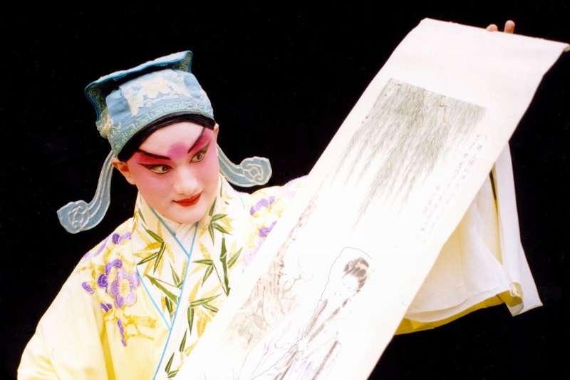溫宇航作者二十年前離開家鄉北京,踏上赴美之路!( 崑曲藝術研習社)
