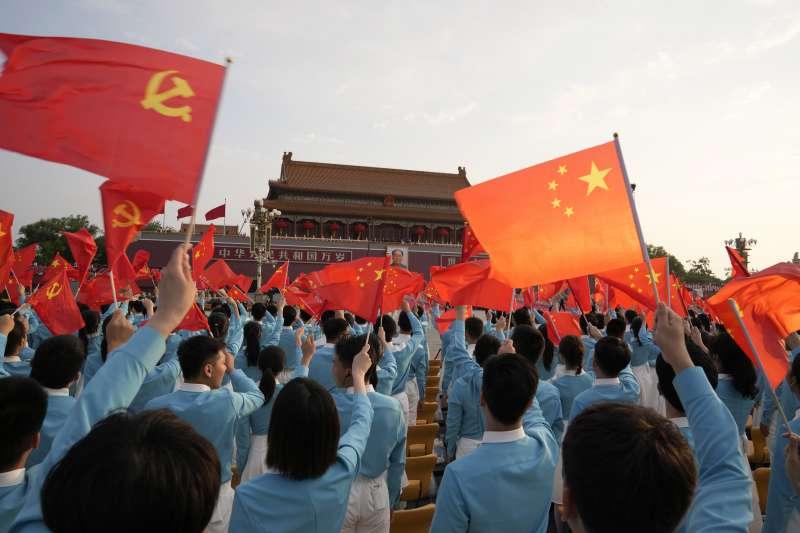 《巨嬰國》在中國很快就賣到一個洛陽紙貴,然後被北京當局給禁了。(資料照,美聯社)