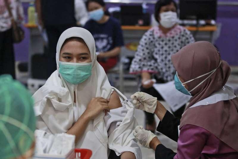 印尼民眾接種中國科興疫苗(AP)