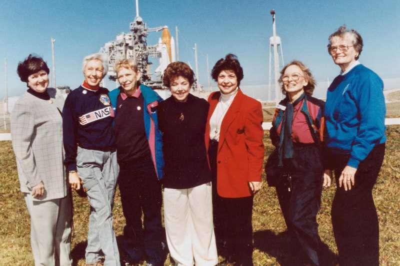 1995年,「水星13」成員合照(美聯社)