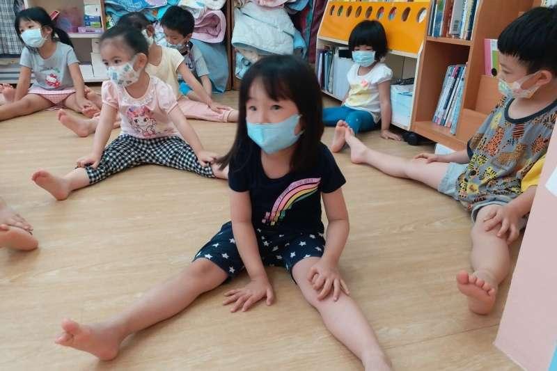 新北核發11,900劑疫苗 幼兒園、課照中心教職員工7月8日起施打,為了教職員工及孩子健康,盡速於復課前完成疫苗施打(資料照)。(圖/新北市教育局提供)