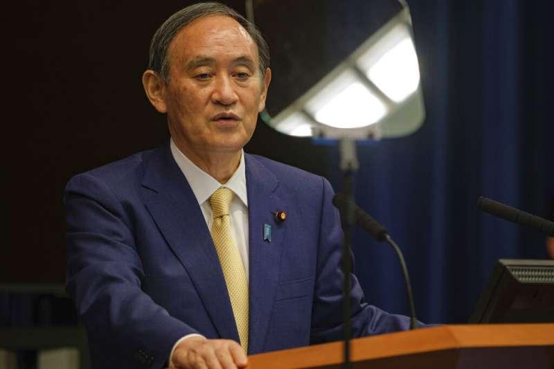 菅義偉在8日晚間的記者會宣布,東京將在7月12日進入第四波緊急事態。(美聯社)