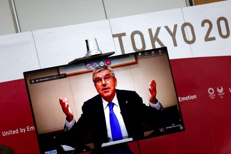 日本8日晚間召開工作會議,由國際奧會執委會(IOC)會長巴赫、東京奧運組委會主席橋本聖子、東京都知事小池百合子等人參加。(美聯社)