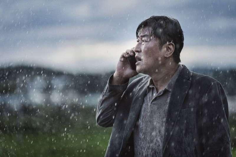 韓國電影《緊急迫降》成功入選第74屆坎城影展。(圖/取自imdb官網)