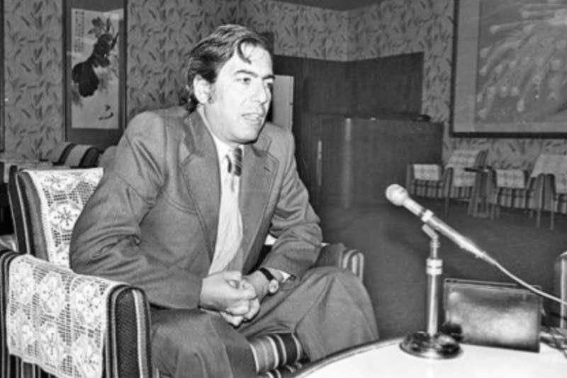 諾貝爾得獎者巴爾加斯‧尤薩(Mario Vargas Llosa)曾演說征服美洲一事:「這是整個拉丁美洲尚未解決的議題。沒人能自外於這項恥辱。」(資料照,取自開放博物館網頁)