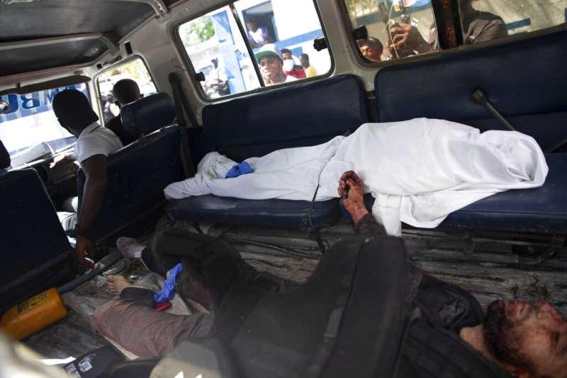 2021年7月,海地總統摩依士遭人暗殺身亡,軍警逮捕、擊斃多名嫌犯(AP)
