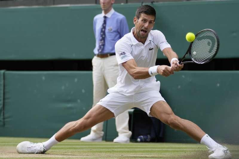 2021年7月11日,網壇世界排名第一的喬科維奇(Novak Djokovic)拿下溫布頓男子單打冠軍(AP)
