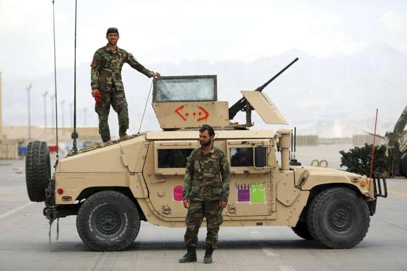 美軍撤離阿富汗的決定,讓這個中亞國家的未來再次陷入高度不確定之中。圖為阿富汗的安全部隊。(美聯社)