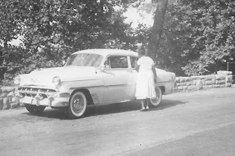 莎拉·雷克托相當喜歡開車,據說她擁有勞斯萊斯、凱迪拉克和林肯等豪車。(圖/翻攝網路)